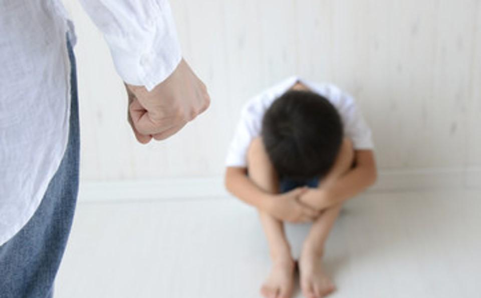 毒親から卒業:機能不全家族(毒親)育ちのアダルトチルドレンが子育てする親になる前に