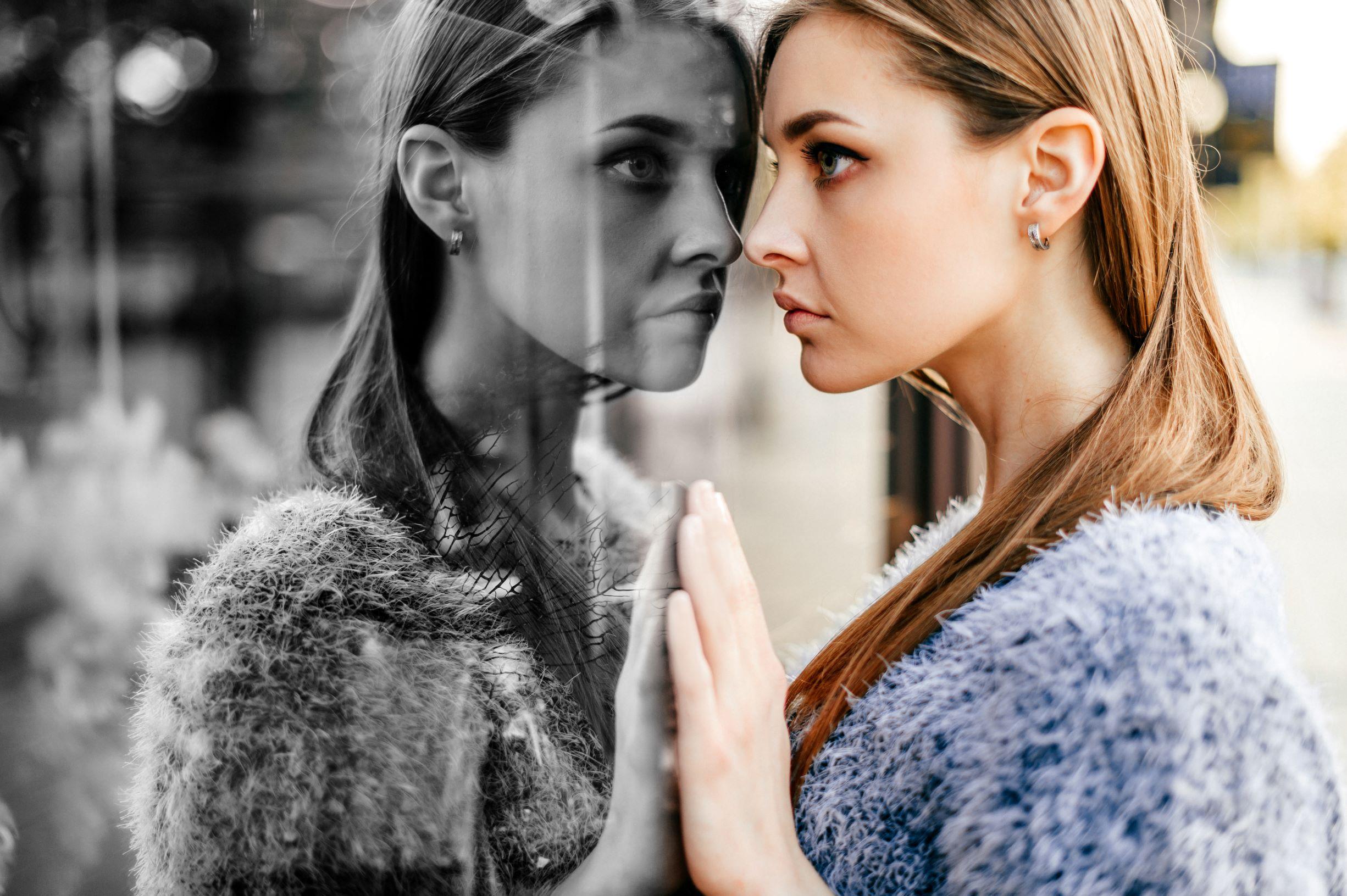 「嫌いな人」は映し鏡。その力を借りて人間関係の生きづらさを和らげよう
