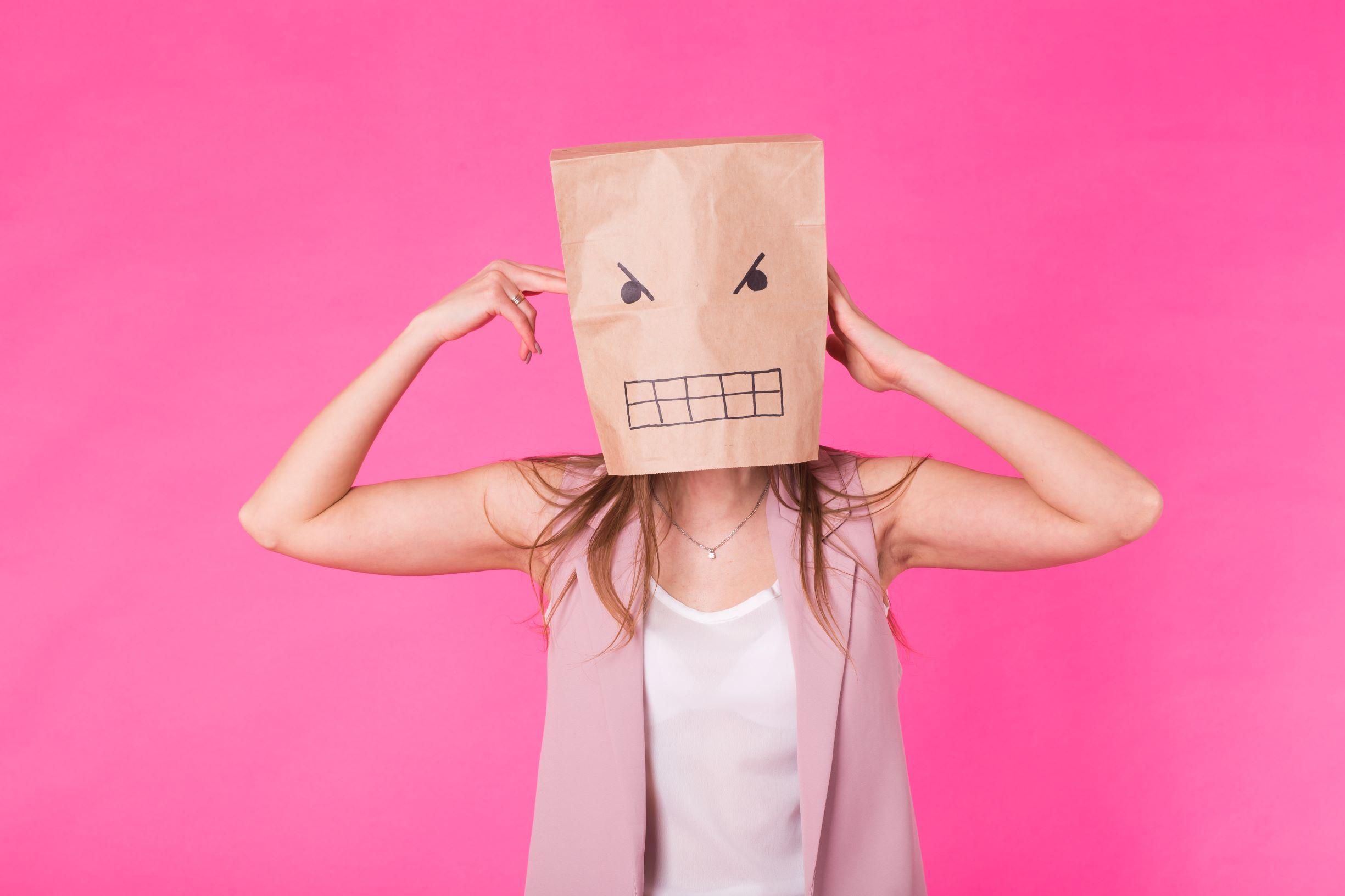 激怒や恨みといった「偽物の怒り」の正体